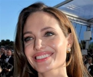 Doctors expect breast cancer screening increase after Jolie op