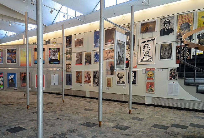An exhibition of the Polish School of Posters. Photo: Adrian Grycuk/Wikimedia Commons (CC BY-SA 3.0 pl)