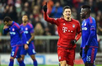 Lewandowski and Krychowiak nominated for UEFA
