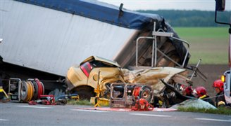 Five die in horrific HGV – car collision