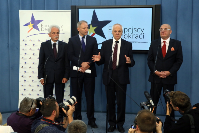 Stanisław Huskowski, Jacek Protasiewicz, Stefan Niesiołowski and Michał Kamiński. Photo: PAP/Tomasz Gzell