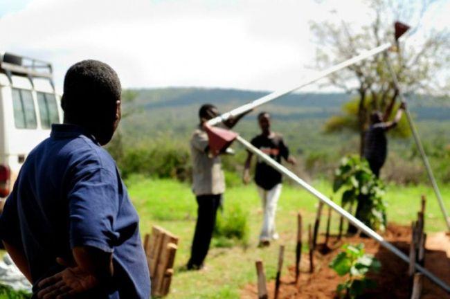 Программа по сотрудничеству во имя развития нацелено на стабилизацию и укрепление экономики развивающихся стран.