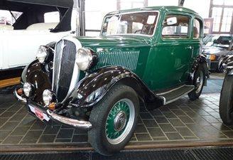 Polish, Romanian vintage cars cruise down memory lane