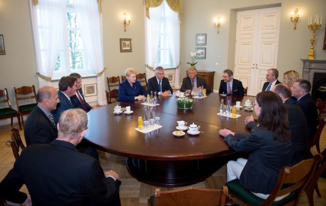 Президент Литви Далія Ґрибаускайте з учасниками конференції