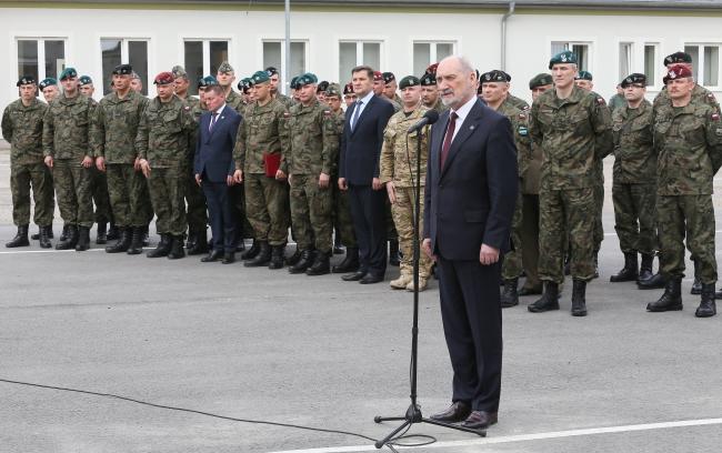 Міністр Антоні Мацєревич на зустрічі з польськими ветеранами. Варшава, 24 травня 2017