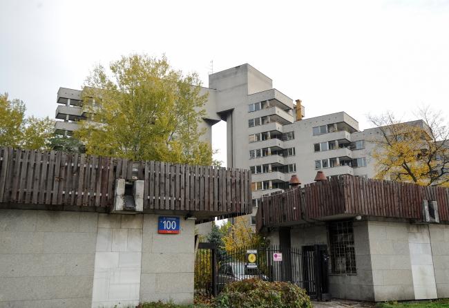 Спірна будівля на вул. Собєського 100, що у Варшаві