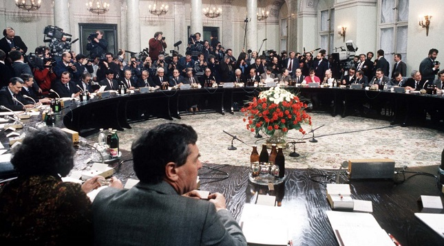 1989, die Verhandlungen am Runden Tisch in Warschau
