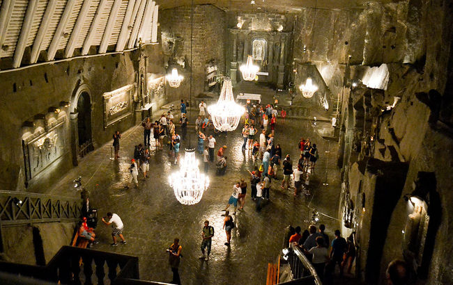 Wieliczka Salt Mines. Photo: wikimedia commons/EwelinaSow