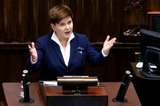 Polish parliament approves new payouts for families