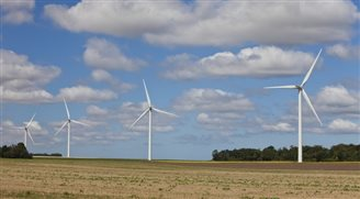 Chinese-backed fund invests in Polish wind farms