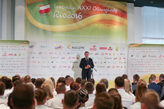 President Duda receives vows from Polish Olympic squad