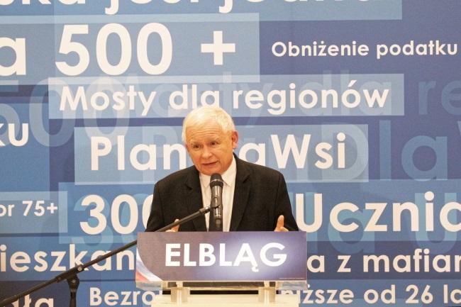 Jarosław Kaczyński during a meeting with voters in the northern town of Elbląg on Tuesday. Photo: PAP/Tomasz Waszczuk