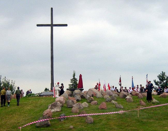 Гібы. Крыж у памяць пра замардаваных падчас Аўгустоўскай аблавы ў 1945 г.