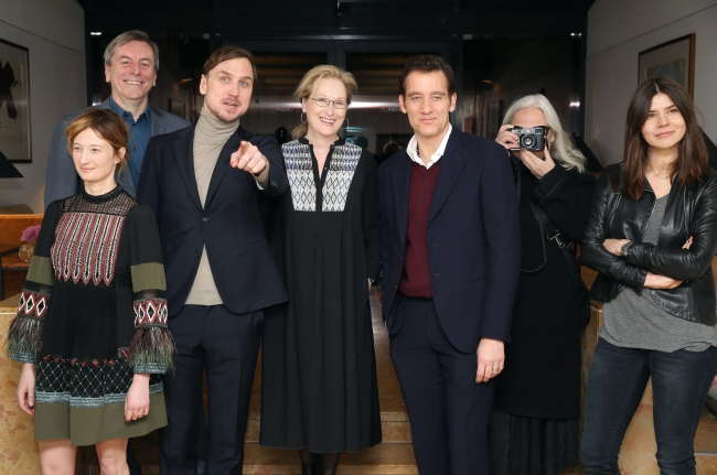 Members of the International Jury (L-R) Alba Rohrwacher, Nick James, Lars Eidinger, Meryl Streep, Clive Owen, Brigitte Lacombe and Malgorzata Szumowska pose for a picture during the presentation of the International Jury prior to the 66th International Film Festival in Berlin, Germany, 10 February 2016. Photo: EPA/JENS KALAENE