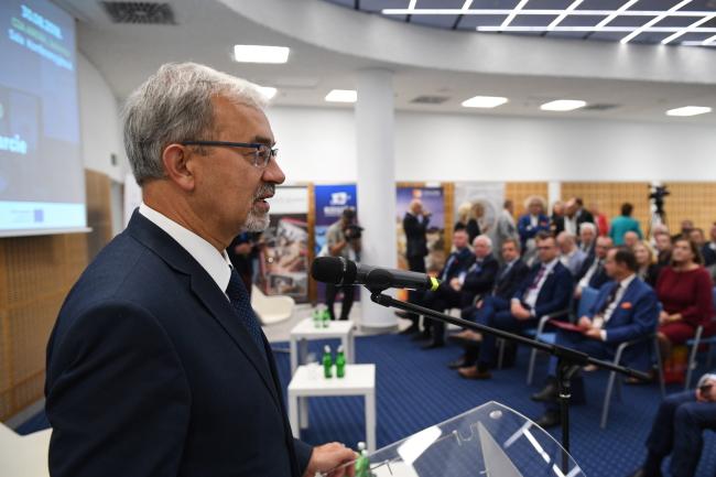 Міністр інвестицій і розвитку Єжи Квєцінський на Конгресі 60 Мільйонів – «Глобальному з'їзді Полонії», 30 серпня 2018 року