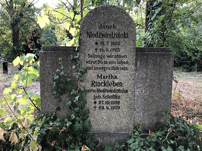 Grab von Janek Niedźwiedziński, Der 2. Dreifaltigkeitskirchof Bergmannstraße Berlin-Kreuzberg, fot. © Arkadiusz Łuba