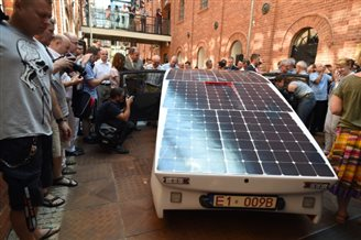 Polish students unveil vehicle for World Solar Challenge