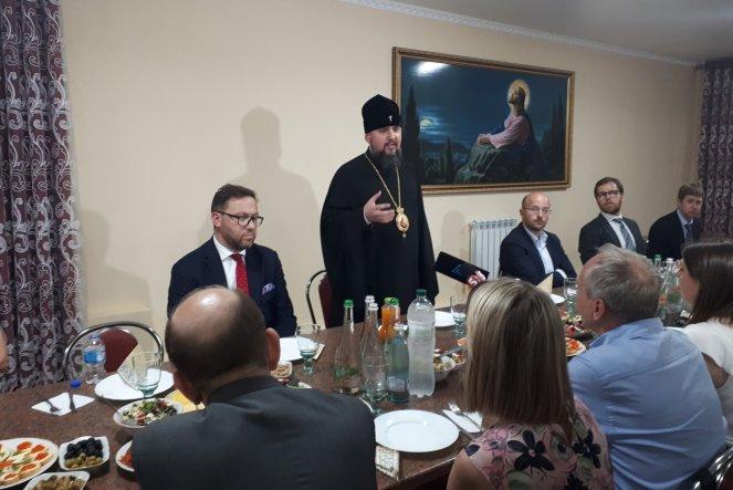 Посольство Польщі організувало зустріч Епіфанія з родичами полонених українців