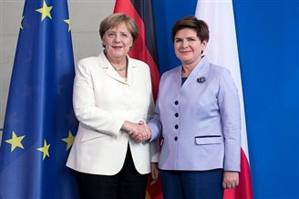 German Chancellor attends V4 talks in Warsaw