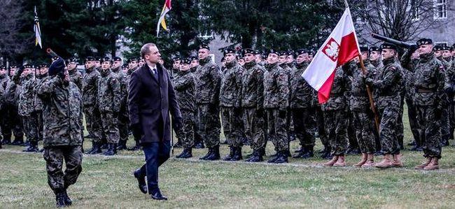 Торжественные проводы солдат 9-й Браневской танковой бригады, которые будут служить в Латвии.