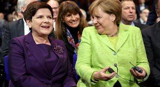 Беата Шидло и Ангела Меркель открыли выставку в Ганновере