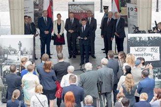 """Sejm: wystawa """"1956 Polska - Węgry historia i pamięć"""""""