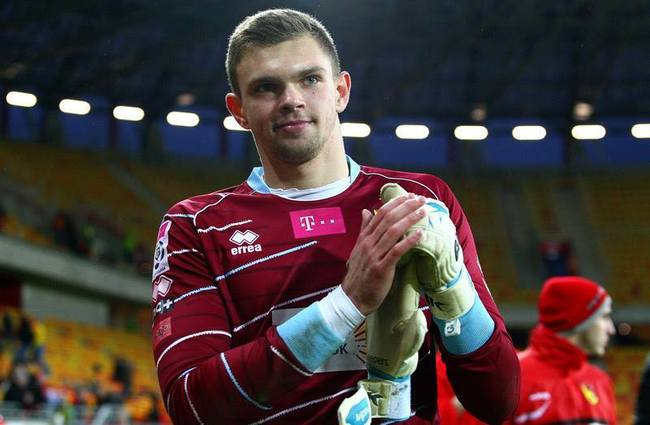 Jagiellonia Białystok's Bartłomiej Drągowski, who won both Goalkeeper of the Season and Discovery of the Season. Photo: Facebook/Bartłomiej Drągowski Official