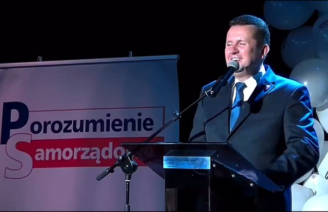 A still from a video of Smogorzewski's most offensive comments, posted by conservative MP Stanisław Tyszka to Twitter.