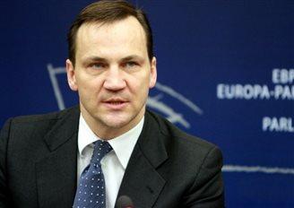 Radosław Sikorski swoimi wypowiedziami szkodzi Ukrainie