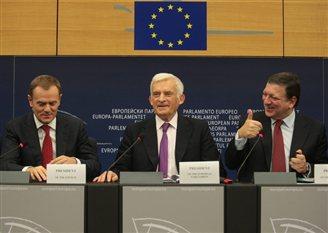 Ex-Polish PM Tusk calls for a resolute EU strategy on Russia