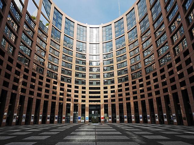 European Parliament building. Photo: Pixabay.com/hpgruesen.