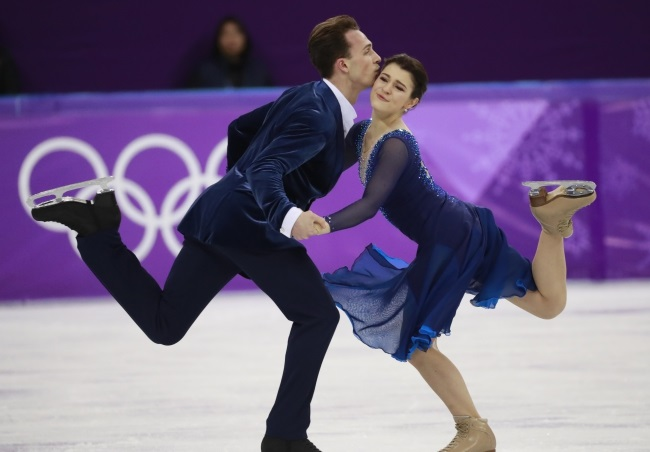 Natalia Kaliszek and Maksym Spodyriev in action at the Pyeongchang 2018 Olympic Games. Photo: EPA/HOW HWEE YOUNG