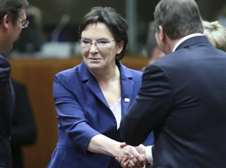 Poland gets CO2 cuts compromise at EU summit