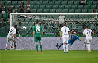Football: Legia Warsaw into 2nd round of Champions League qualifiers