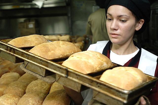 Кількість безробітних зменшується