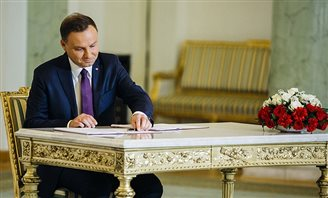 Polish President welcomes American Jewish Committee to Warsaw