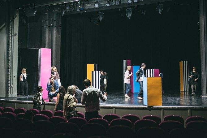 """Проект Даніеля Бюрена """"in situ"""" в """"Театрі Студіо"""" у Варшаві. Фото надано завдяки люб'язності STUDIO THEATREGALLERY"""