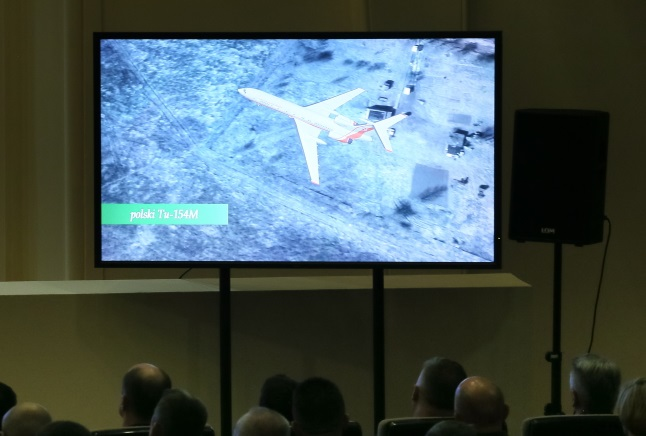 Film presenting new probe into the Smolensk plane crash. Photo: PAP/Paweł Supernak