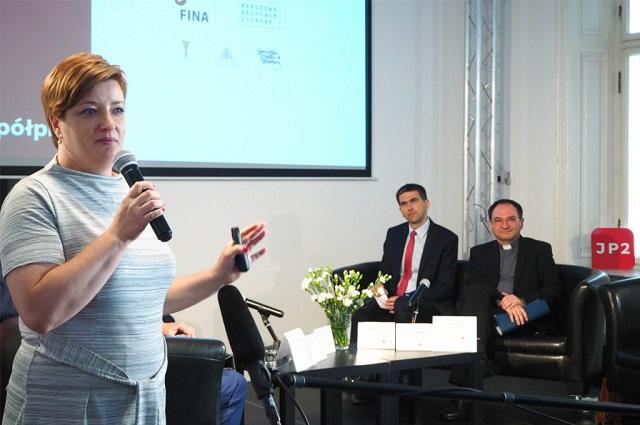 Anna Olesiak na konferencji prasowej poświęconej Wortalowi JP II