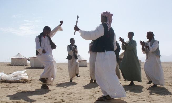 Специальный танец бедуинов на раскопках в Беренике