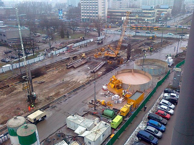 Construction work in 2011 on the Rondo Daszyńskiego station of the 2nd line of Warsaw's subway. Photo: Jacek Adamowicz (Own work) [CC BY 3.0 (http://creativecommons.org/licenses/by/3.0)], via Wikimedia Commons