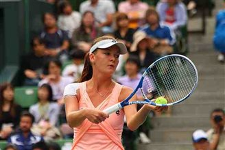 Radwanska crashes out of Wimbledon warm-up