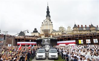 Pope Francis opens visit to Poland marking WYD