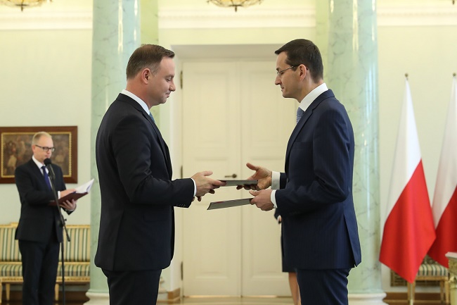 Polish President Andrzej Duda (L) appointed Mateusz Morawiecki (R) on Thursday. Photo: Andrzej Hrechorowicz / KPRP