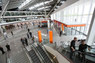 Revamped Warsaw Airport terminal back in action