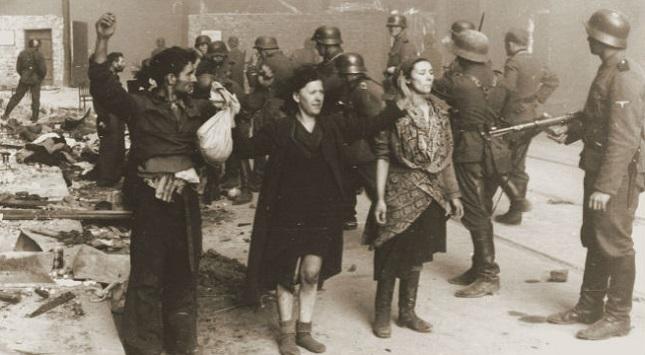 Aufständische aus dem Warschauer Ghetto.