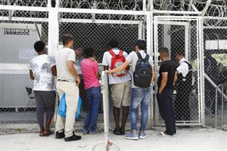 Over a third of Poles prefer fines to accepting refugees: poll