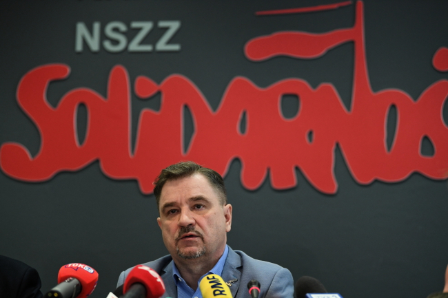 Solidarity leader Piotr Duda at a press conference in Gdańsk on Wednesday.