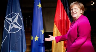 Merkel ostrzega przed rozpadem międzynarodowych struktur