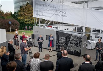 Polish culture minister opens WWI exhibition in Prague